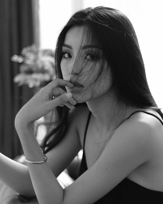 Dan mau lookbook: Nguoi giong Ha Vi, ke la Kim So Hyun phien ban Viet hinh anh 3
