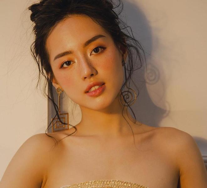 Dan mau lookbook: Nguoi giong Ha Vi, ke la Kim So Hyun phien ban Viet hinh anh 10