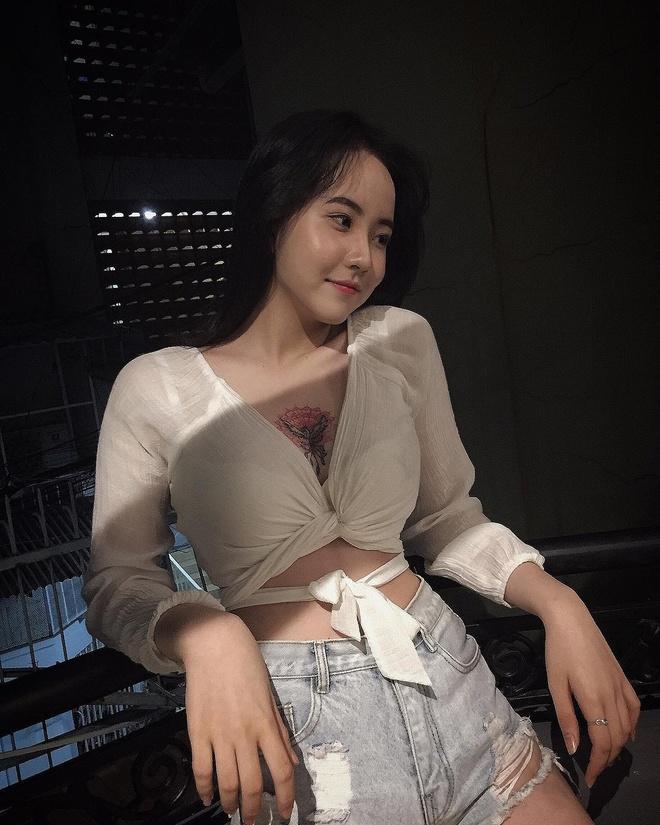 Loat gai xinh toan 10X tu 'lo nhan sac' THPT Binh Hung Hoa TP.HCM hinh anh 15