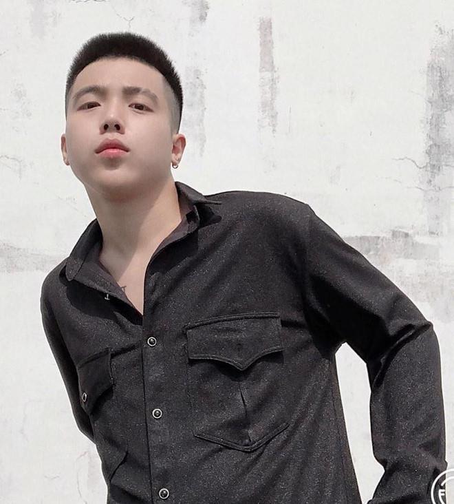 Hot boy dinh dam mot thoi: Nguoi day du vo con, ke bo su nghiep ca hat hinh anh 9