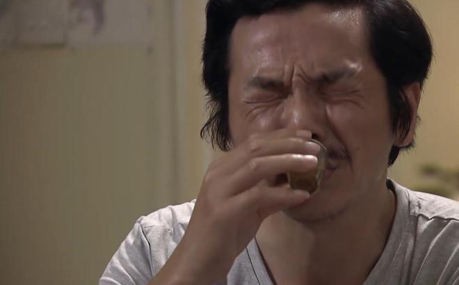 Ong Son 'nuoc mat chan com' vi thuong con gai bi phan boi hinh anh