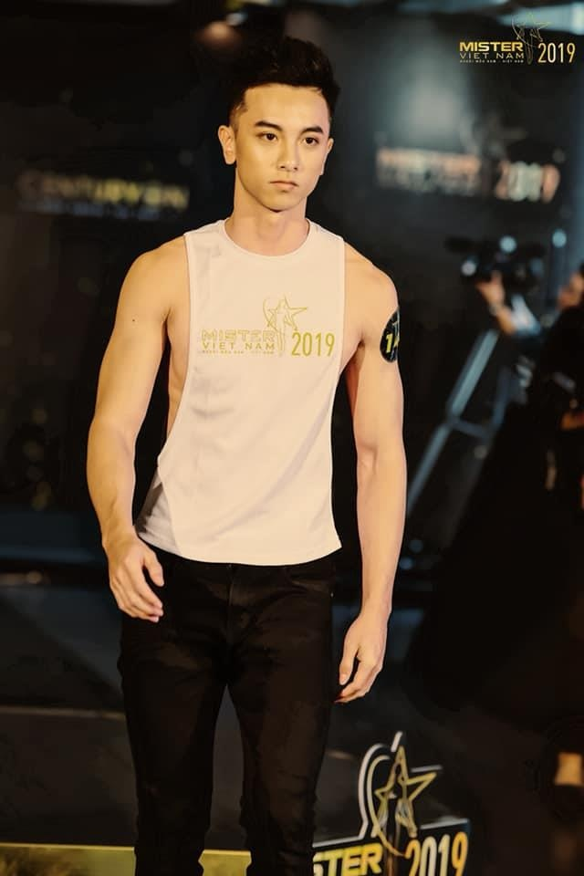 Hot boy giong trai Tay anh 8