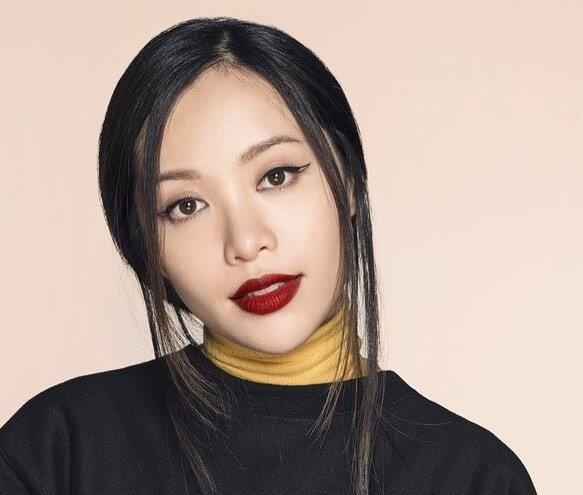beauty blogger noi tieng anh 1
