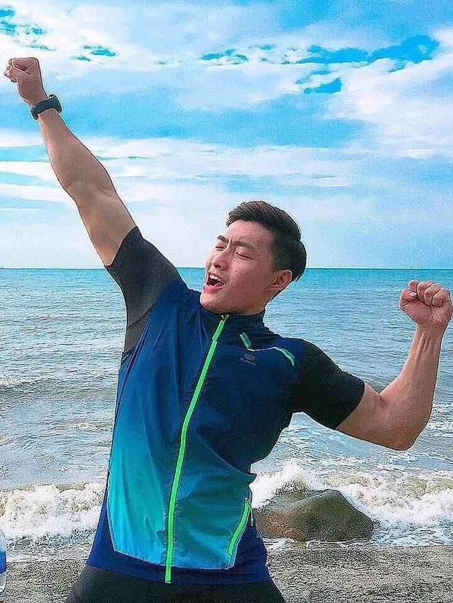 'Nguoi thuong' trong MV Bich Phuong la sieu mau cao 1,80 m, body 6 mui hinh anh 12