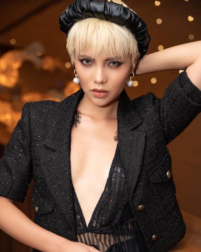 Linh Chi The Face thay doi hoan toan, tu 'banh beo' sang goi cam hinh anh 11