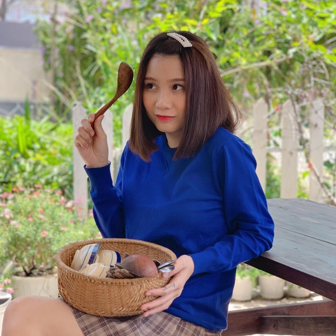 Hot mom sinh nam 1996 anh 7