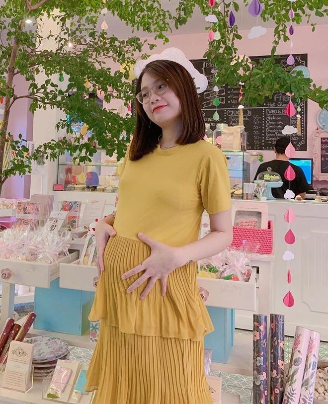 Me bim sua 23 tuoi: Nguoi vo dai gia nong bong, nguoi vlogger lay loi hinh anh 9