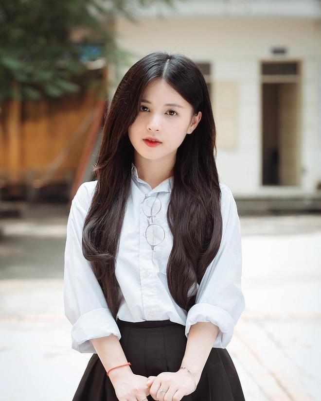 MC Vu Thu Hoai va loat hot girl xung danh 'che Thai gai Tuyen' hinh anh 8