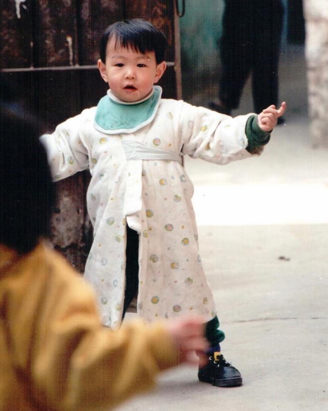 Tram Anh - JustaTee, Trang Lou - Tung Son khoe con giong het cha me hinh anh 2 loi.jpg