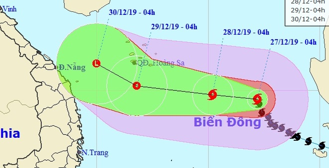Bão Phanfone duy trì sức mạnh sau 2 ngày vào Biển Đông