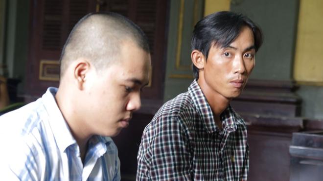 Hai anh em ruot trong vu dam chet nguoi khong duoc giam an hinh anh 1