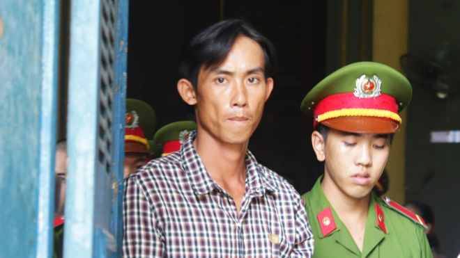 Hai anh em ruot trong vu dam chet nguoi khong duoc giam an hinh anh 2