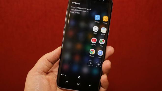 iPhone can lam gi de danh bai Galaxy S8 hinh anh 1