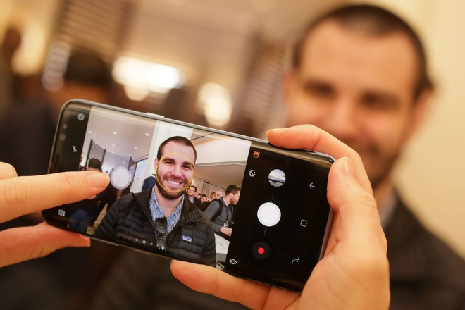 iPhone can lam gi de danh bai Galaxy S8 hinh anh 2