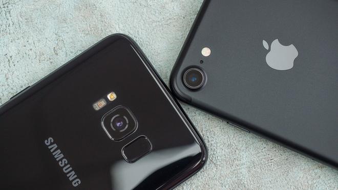 Thiet ke Galaxy S da vuot qua iPhone hinh anh