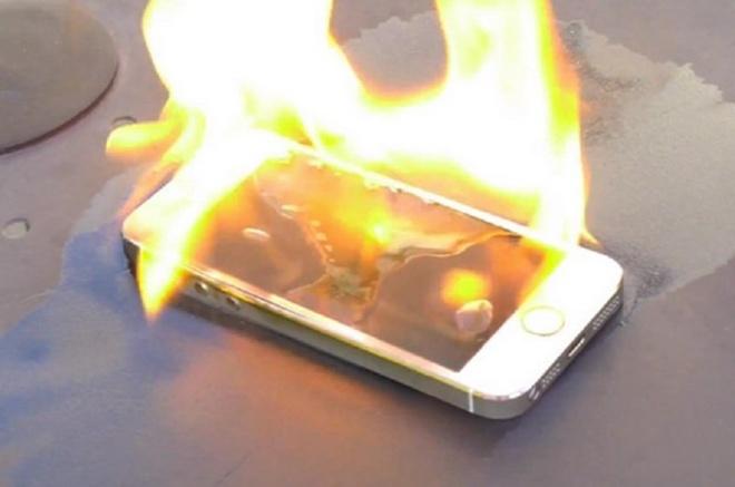 Apple lao dao vi iPhone gay chay nha hinh anh 1