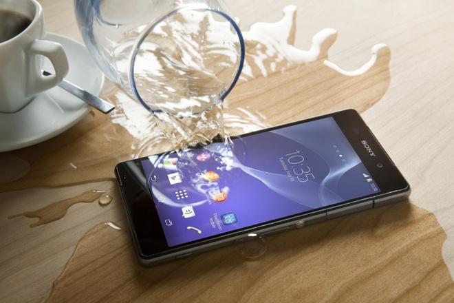 Sony bi kien vi khong bao hanh smartphone ngam nuoc hinh anh