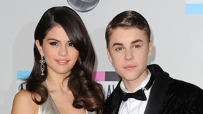 Instagram Selena Gomez bi hacker dang anh khoa than Justin Bieber hinh anh 1