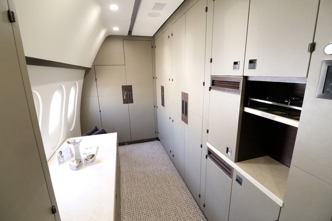 Ben trong Boeing 787 Dreamliner tri gia 300 trieu USD hinh anh 9