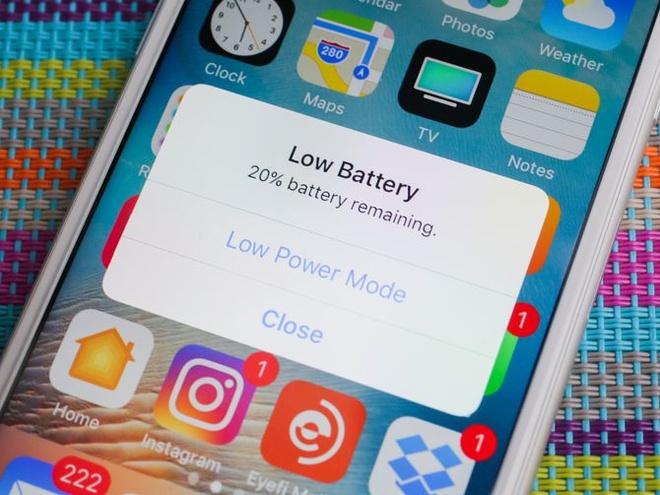 Nhung diem can biet ve scandal Apple lam cham iPhone cu hinh anh 2