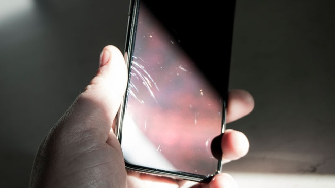 iPhone X cua toi de bi tray xuoc den muc kho hieu hinh anh 2