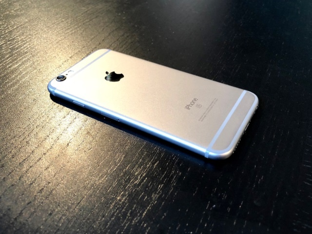 'Sau tat ca, 7 Plus la chiec iPhone dang mua nhat' hinh anh 1