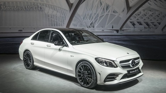 Mercedes-AMG C43 2019 voi suc manh, ve ngoai duoc nang cap moi hinh anh