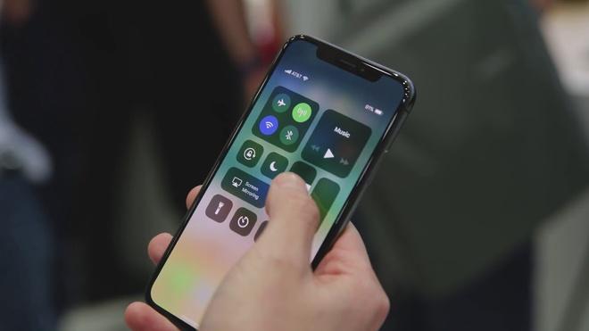 'La fan Android, toi khong hoi tiec khi chuyen sang iPhone X' hinh anh