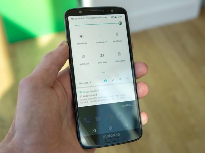 Moto G6 ra mat: Camera kep, Snapdragon 630, gia tu 250 USD hinh anh 3