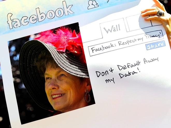 Facebook biet chinh xac so lan ban tim trang ca nhan nguoi yeu cu hinh anh