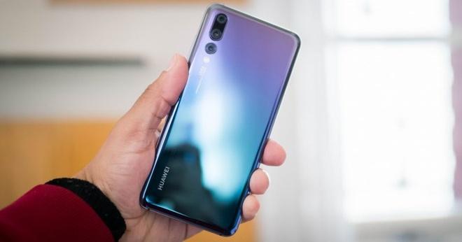 9 mau smartphone dap tan quan niem chi mau den moi dep hinh anh 2