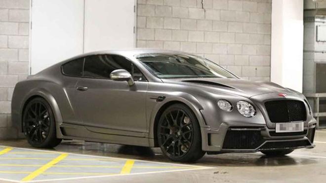 Dan xe 'khung' cua doi tuyen Anh: Tu Audi, Bentley cho den Lamborghini hinh anh 3