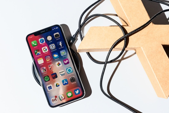 '8 thang dung iPhone X, toi bat dau cam thay tiec khi mua no' hinh anh