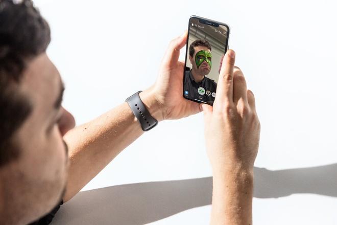 '8 thang dung iPhone X, toi bat dau cam thay tiec khi mua no' hinh anh 1