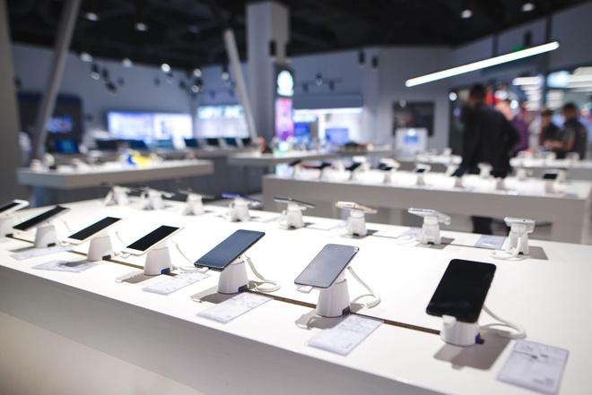 Galaxy Fold - hang doc nhung chua la 'ngong vang' cua Samsung hinh anh 2