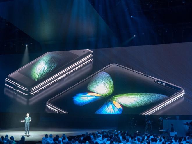 Galaxy Fold - hang doc nhung chua la 'ngong vang' cua Samsung hinh anh 1