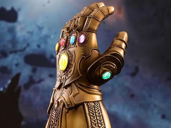 Ben trong 'gang tay Thanos' hinh anh
