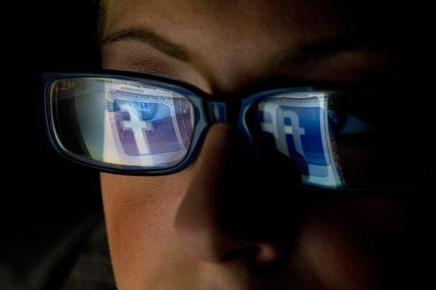 Kiem duyet noi dung Facebook: Cong viec kinh khung, khong ai quan tam hinh anh