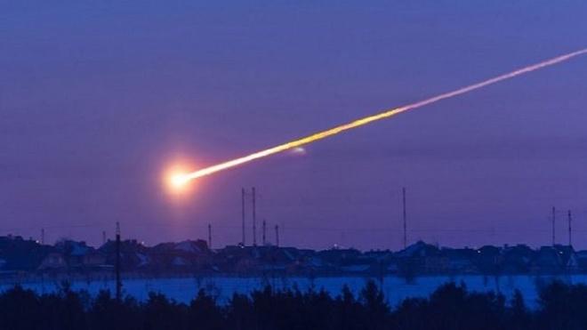 Sóng xung kích từ thiên thạch ở Chelyabinsk, Nga năm 2013 từng làm hàng trăm người bị thương, khiến đây là vụ thiệt hại lớn nhất do thiên thạch gây ra trong lịch sử nhân loại. Ảnh: Youtube.
