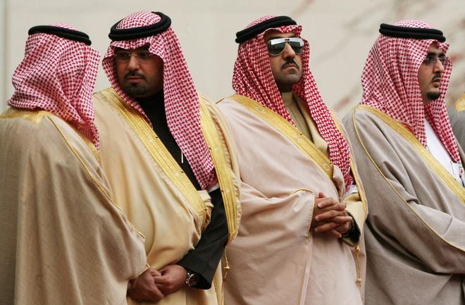 Doan tuy tung hung hau cua quoc vuong Saudi Arabia hinh anh