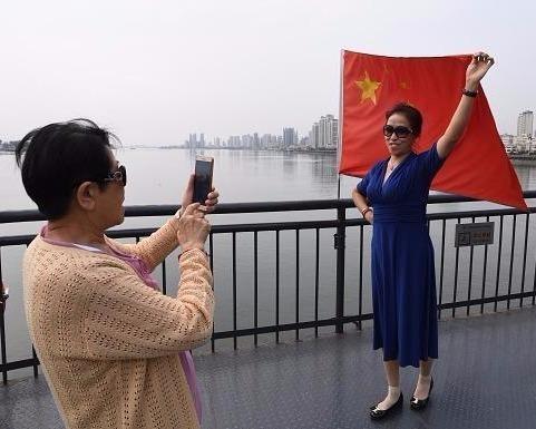 Han Quoc niu keo khach Trung gian doi vi cang thang ten lua hinh anh