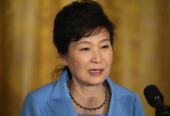 Cuu tong thong Han Quoc Park Geun Hye sap bi bat hinh anh