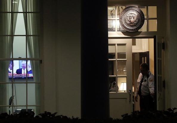 Cuoc khung hoang o Nha Trang sau khi Trump bi cao buoc lo tin mat hinh anh 2