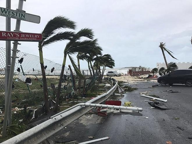 Dan Caribe ke lai canh 'nhu phim kinh di' giua sieu bao Irma hinh anh
