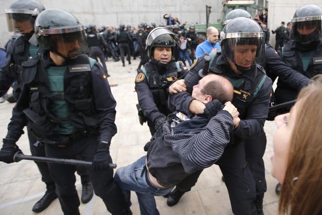 Vi sao nguoi Catalonia quyet 'dut ao' roi Tay Ban Nha? hinh anh