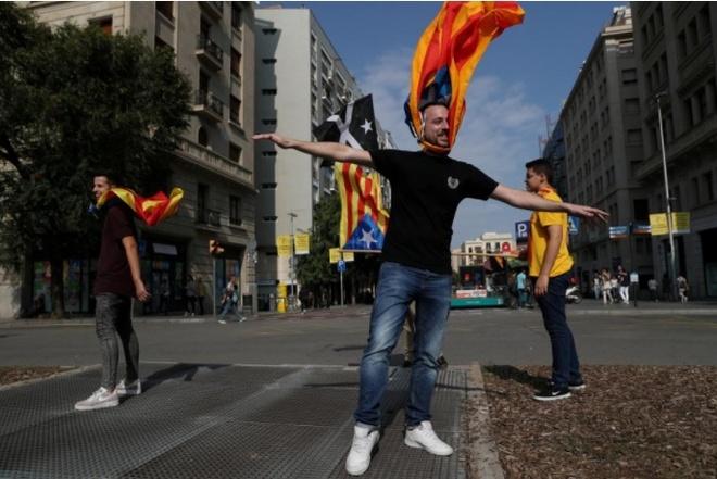 Catalonia sap tuyen bo tach khoi Tay Ban Nha vao ngay 9/10 hinh anh 1