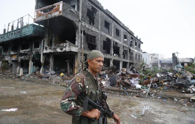 Nhung tieng sung cuoi cung khi Philippines giai phong Marawi hinh anh