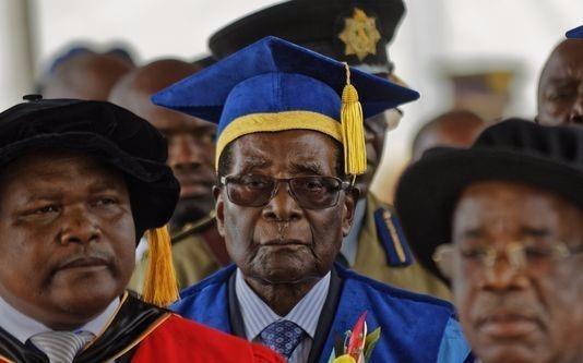 Tong thong Zimbabwe xuat hien giua ap luc tu chuc hinh anh