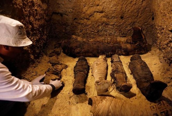 Ai Cập phát hiện mộ cổ chứa 50 xác ướp, bao gồm cả trẻ em