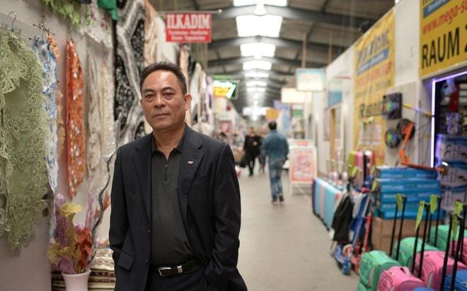 Cho Dong Xuan - Viet Nam thu nho giua thu do nuoc Duc hinh anh